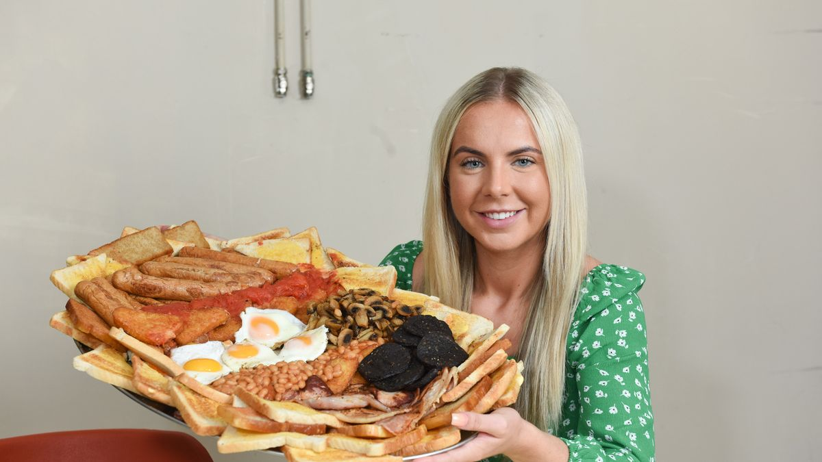Café launches UK's biggest full English with 150 items equalling 17,000 calories